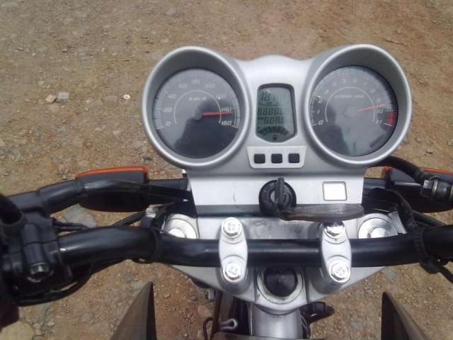 Vendo honda twister, 2009, gris, en perfecto estado