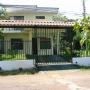 Casa en sector residencial, buen precio , Atenas centro!