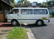 Servicio de microbus para 14 pasajeros