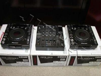 2x pioneer cdj-1000mk3 & 1x djm-800 mixer