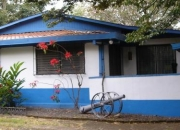 Casa estilo campo en santa ana
