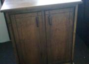 *** Se vende mueble de madera con dos puertas ***