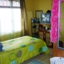 Alquilo habitación en apartamento amueblado incluye: agua, luz e internet inalámbrico.