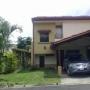Ref 10-164 Alquiler de  hermosa casa en condominio  en Escazú
