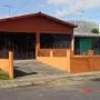 Bella casa en urbanización  Lagos de Lindora, Santa Ana