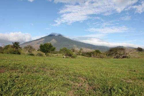 Lotes para quintas con agua termal volcan miravalles