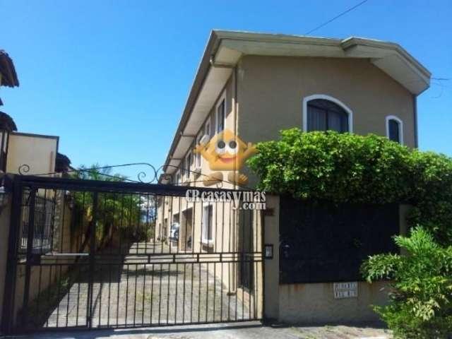 Hermosa casa en condominio, guachipelin, escazu
