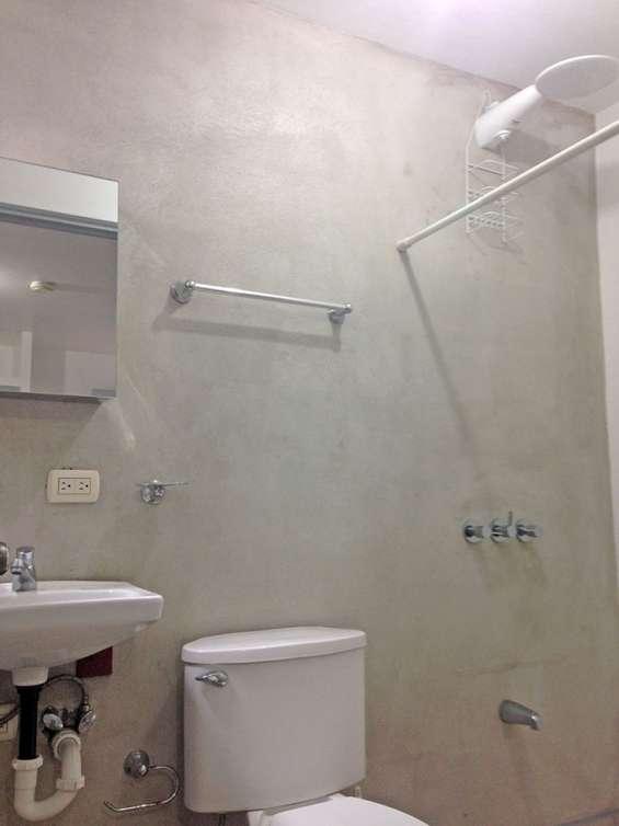 Baño completo privado con ducha agua caliente