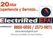 Electricistas y técnicos en redes.
