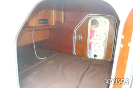 Cama para dos con radio y closet todo en madera solida