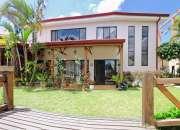 REBAJADO! Casa de 400 m2, 6 Hab, Pinares, Curridabat
