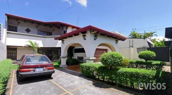 Casa de 455 m2 con 4 habitaciones, freses, curridabat