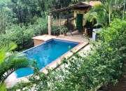 Quinta con casa, piscina y frutales en Turrubares