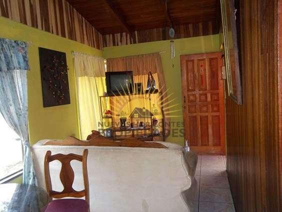 Fotos de Se vende casa con mucho terreno, san isidro de heredia (nhp-423) 4