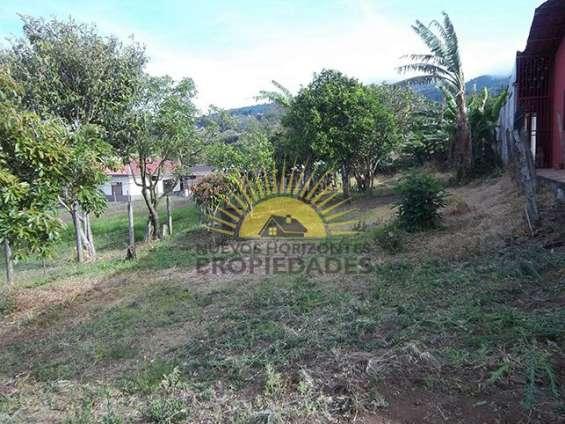 Fotos de Se vende casa con mucho terreno, san isidro de heredia (nhp-423) 13