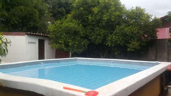 Bella casa con piscina en orotina