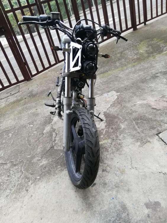 Vendo moto sachs madass 125cc 2010