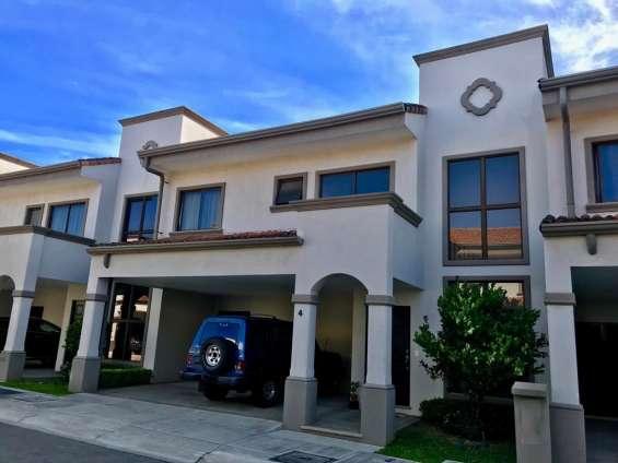 Alquiler casa semi amueblada en condominio en lagunilla de heredia #071