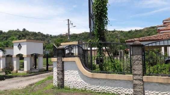 Se vende hermosa propiedad en condominio en playa jacò.