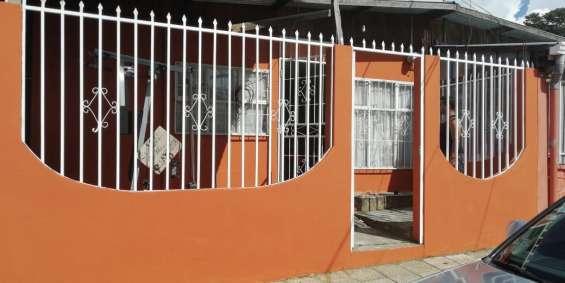 Alquilo casa 150 000 urbanización sta bárbara higuito