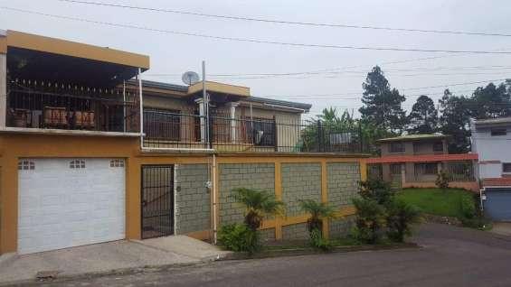 Linda propiedad con dos casas en san ramón de alajuela