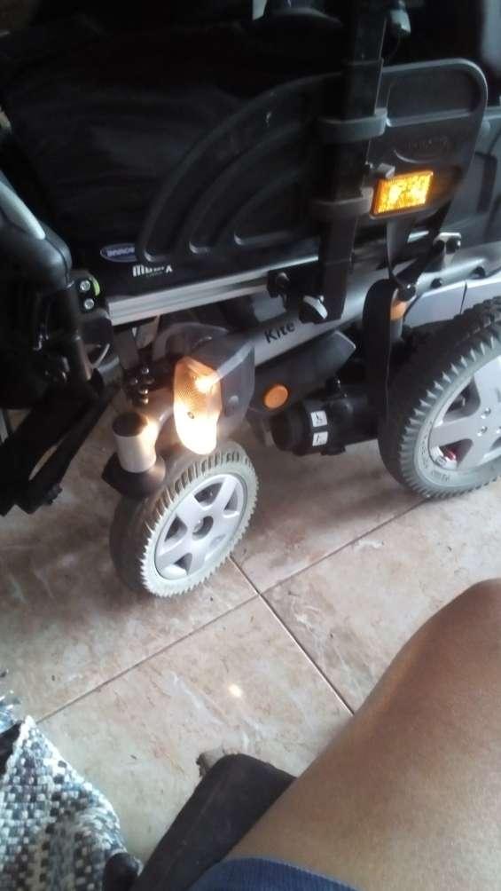 Vendo silla ruedas electrica marcá invacare