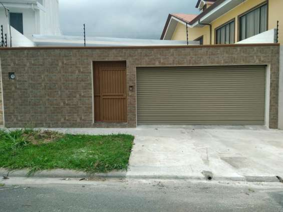 Venta de casa una planta residencial (1027)