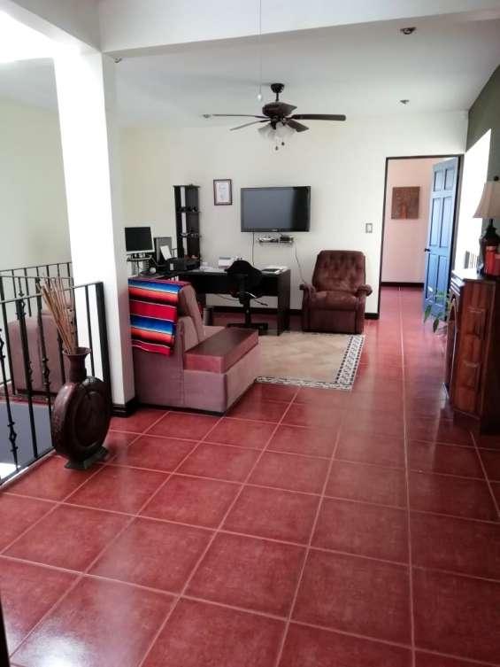 Fotos de Se vende condominio en san rafael de montes de oca (condominio la montaña) 13