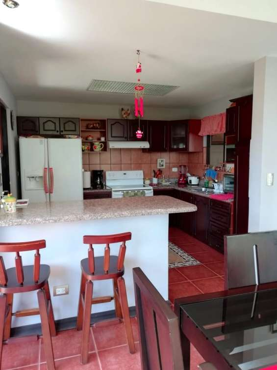 Fotos de Se vende condominio en san rafael de montes de oca (condominio la montaña) 7